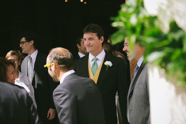sposo con cravatta verde