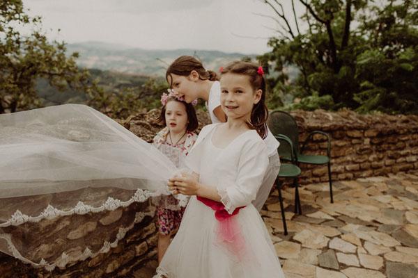 Matrimonio Rustico Marche : Un matrimonio country chic nelle marche