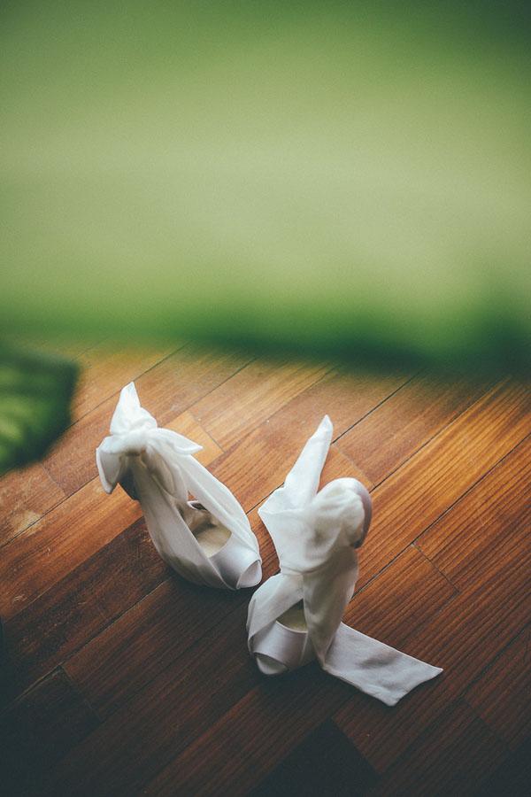 scarpe da sposa con nastri alla caviglia