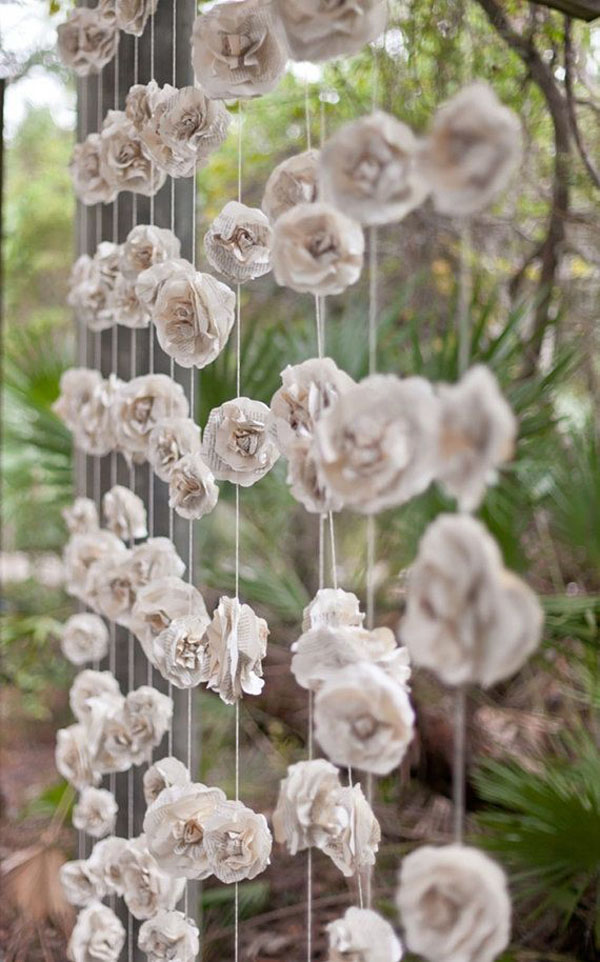 backdrop con fiori di carta