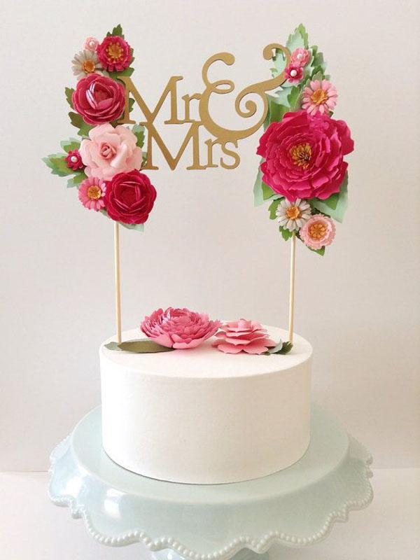 cake topper con fiori di carta