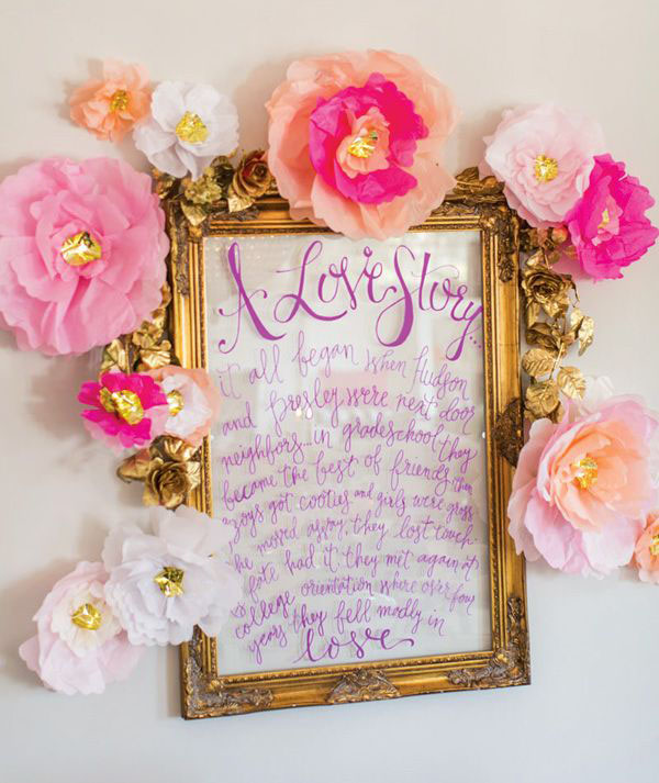 cartello matrimonio con fiori di carta