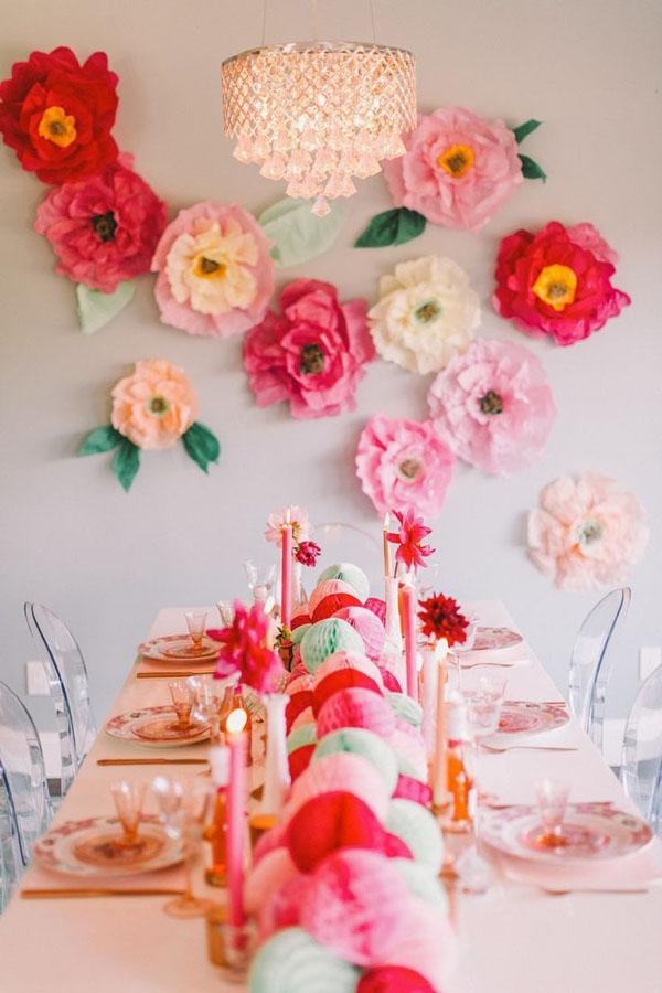 parete di fiori di carta