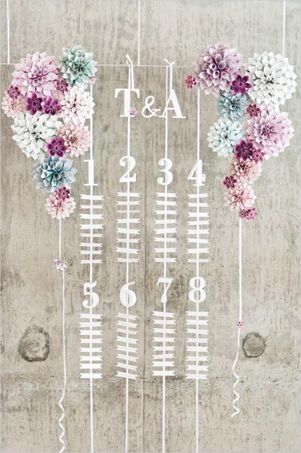tableau de mariage con fiori di carta