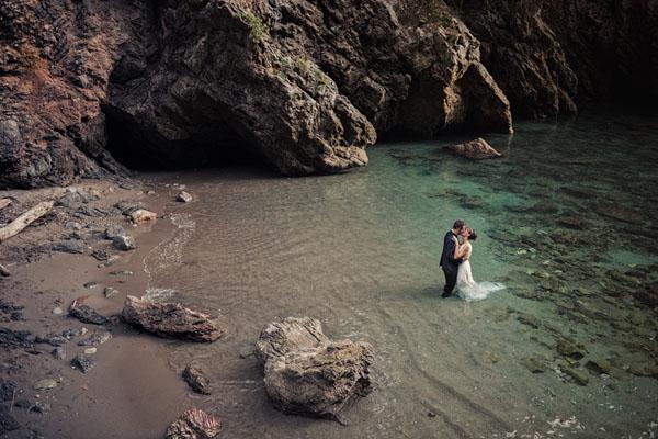 Un trash the dress in riva al mare