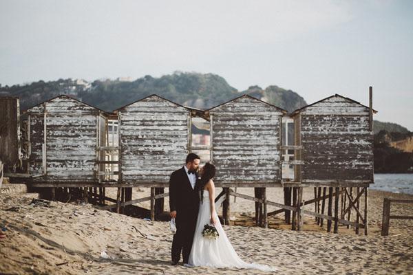 Polaroid e vinili per un matrimonio all'aperto