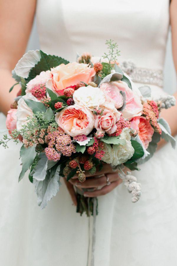 bouquet con frutti di bosco