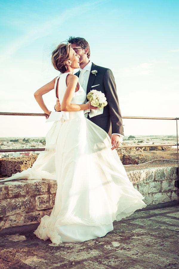 Matrimonio Tema Infusi : Peonie e veletta per un matrimonio semplice ed elegante