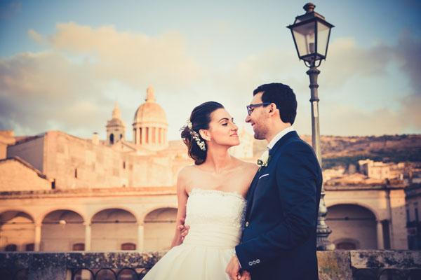 matrimonio romantico in rosa e grigio a ragusa-17