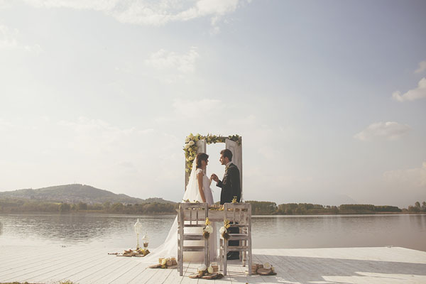 Inspiration shoot: un matrimonio primaverile sul Lago di Candia