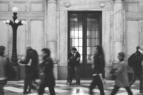 engagement session nella stazione di milano centrale-14