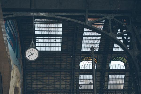 engagement session nella stazione di milano centrale-20