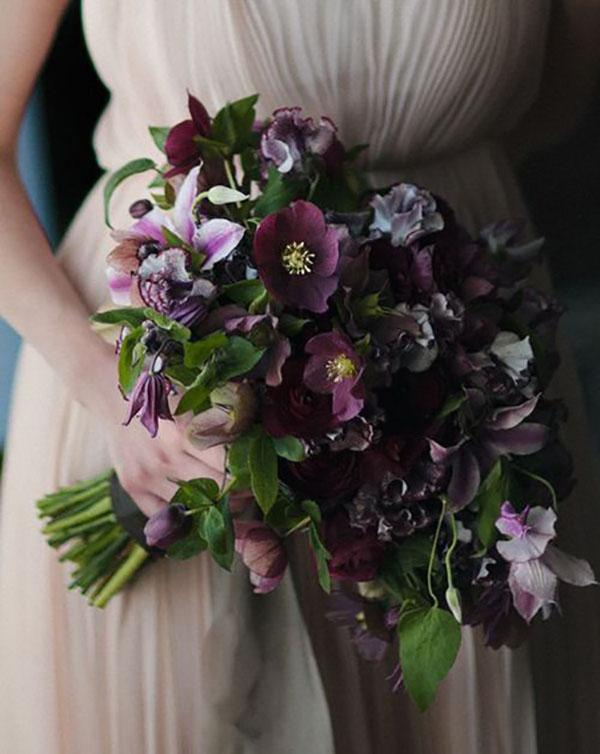 bouquet invernale con ellebori