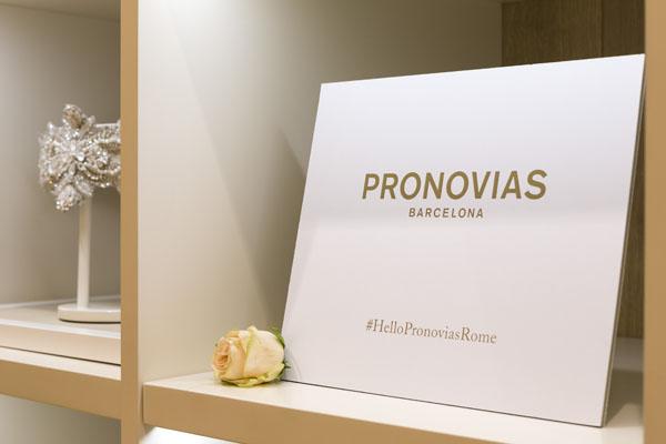 low priced e10be 80719 HelloPronoviasRome - L'inaugurazione del Flagship store ...