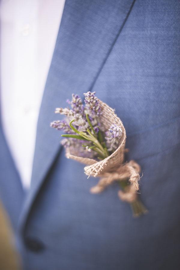 matrimonio rustico con lavanda e fiori di campo-17