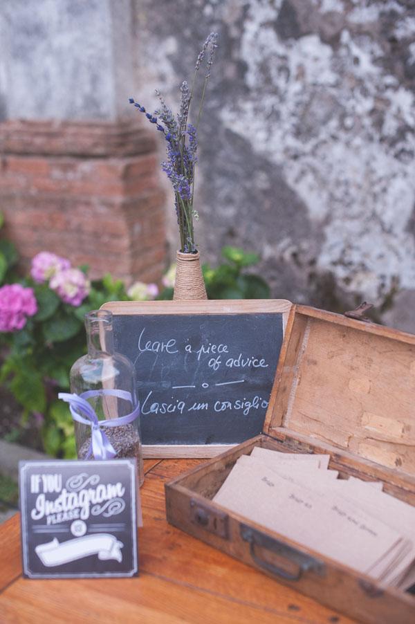 matrimonio rustico con lavanda e fiori di campo-27