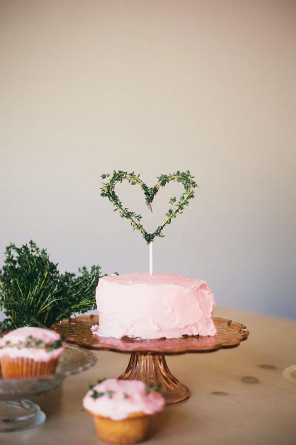 cake topper botanico a forma di cuore