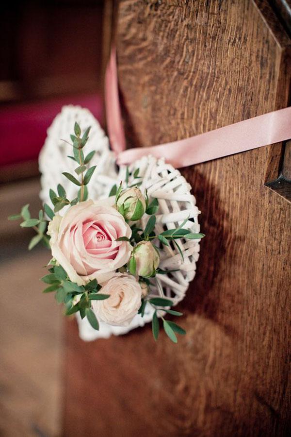 decorazione chiesa a forma di cuore
