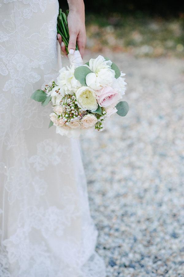 bouquet bianco, rosa e pesca
