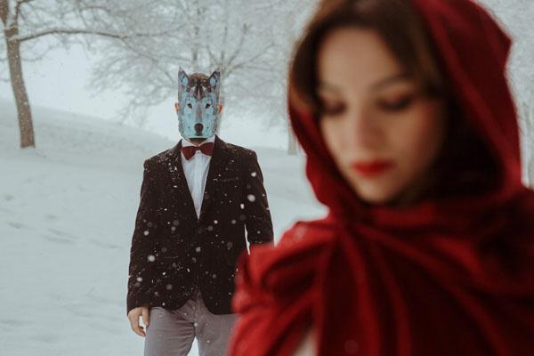 engagement session ispirata a cappuccetto rosso | zonzoweb | wedding wonderland-11
