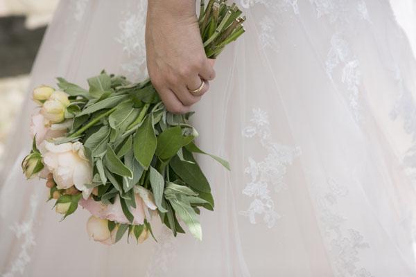 Matrimonio Tema Aprile : Un matrimonio a tema chiavi e libri antichi wedding