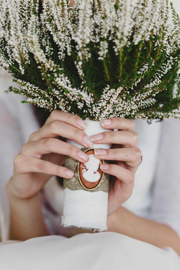 bouquet invernale di erica bianca