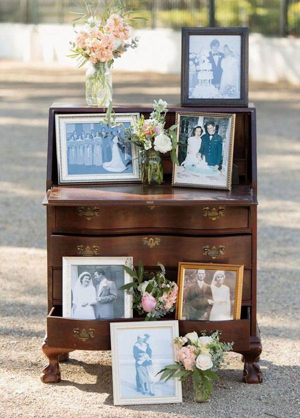 cassettiera vintage con foto di famiglia