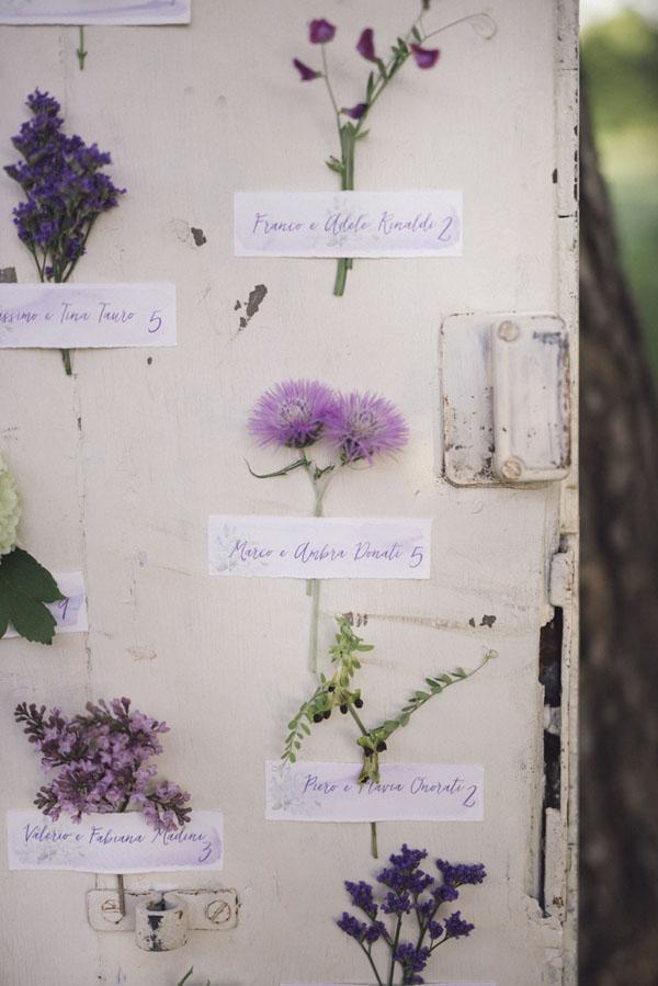 tableau de mariage botanico con fiori viola
