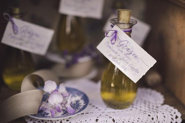 bottiglie di olio d'oliva come bomboniere