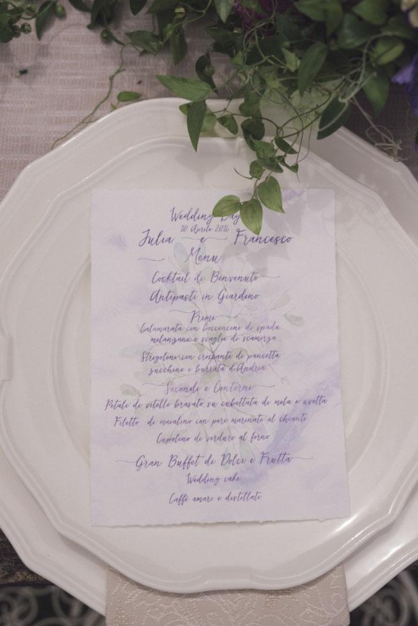 menù matrimonio viola acquerello