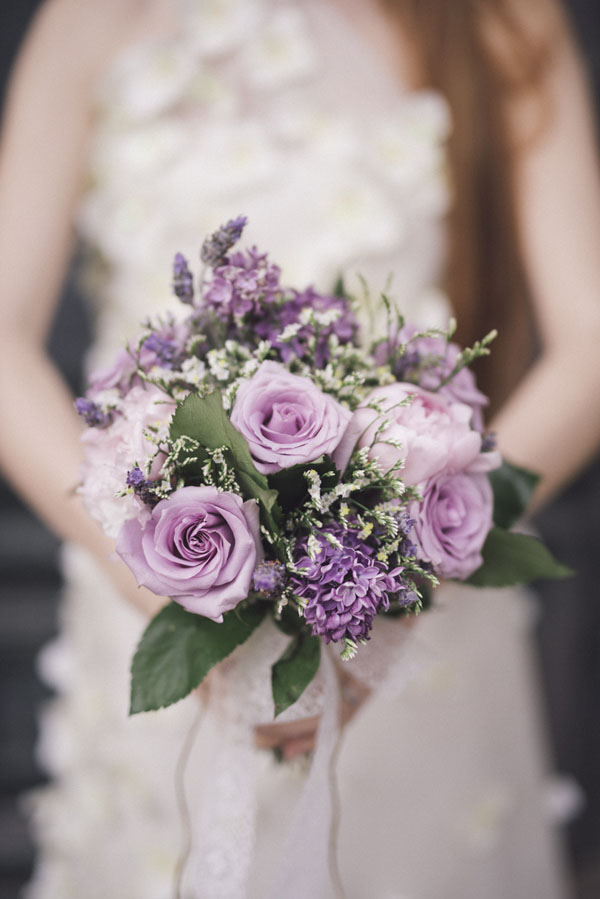 bouquet di rose e lillà