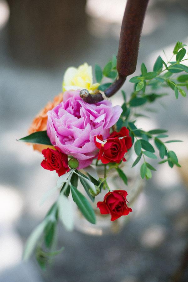 rose rosa, rosse, gialle e arancioni