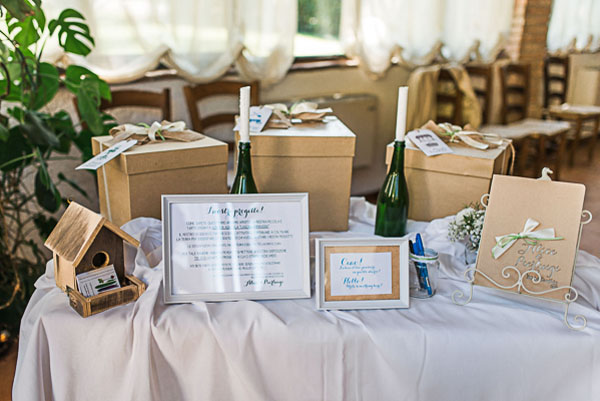 allestimento matrimonio con legno e carta kraft