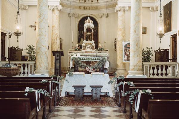 allestimento botanico in chiesa
