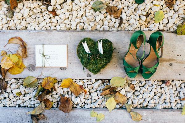 scarpe da sposa verdi e cuscino porta fedi green