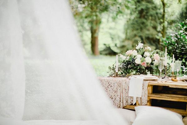 bancale come tavola matrimonio boho