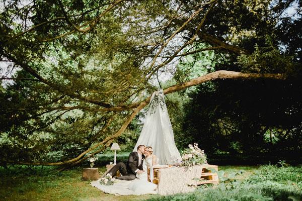 matrimonio bohemien in giardino