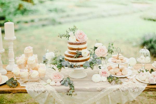 sweet table romantico rosa, verde e bianco