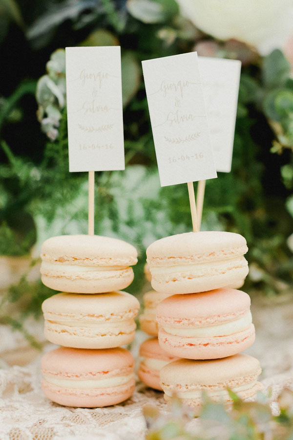 macarons rosa come bomboniere