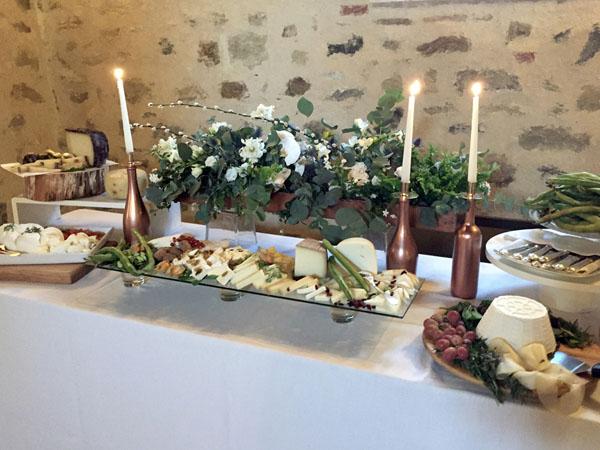 allestimento buffet botanico con dettagli rame