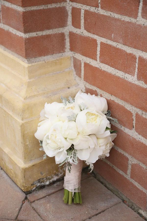 bouquet di peonie bianche