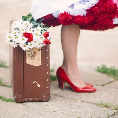 Rosso e bianco per la sposa rockabilly