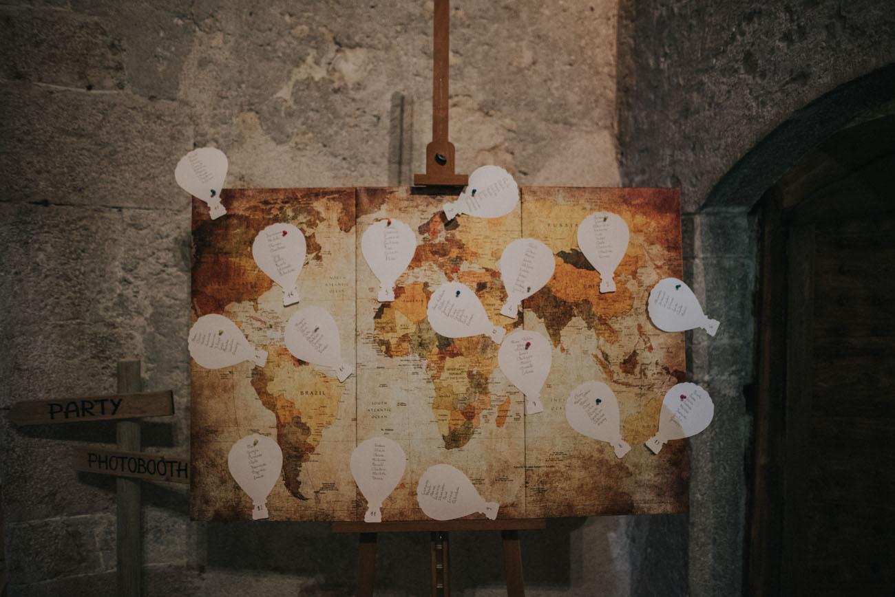 tableau de mariage con mappa e mongolfiere