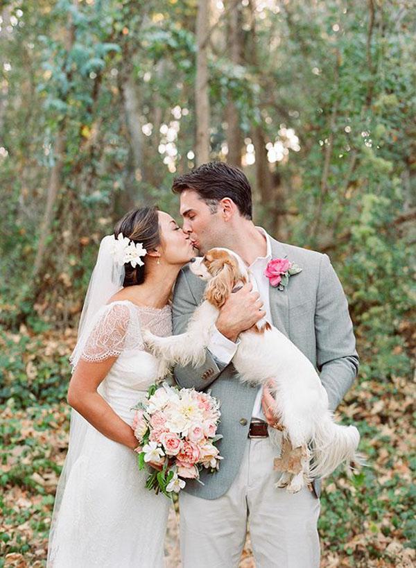 ritratto di famiglia con cane - animali ai matrimoni