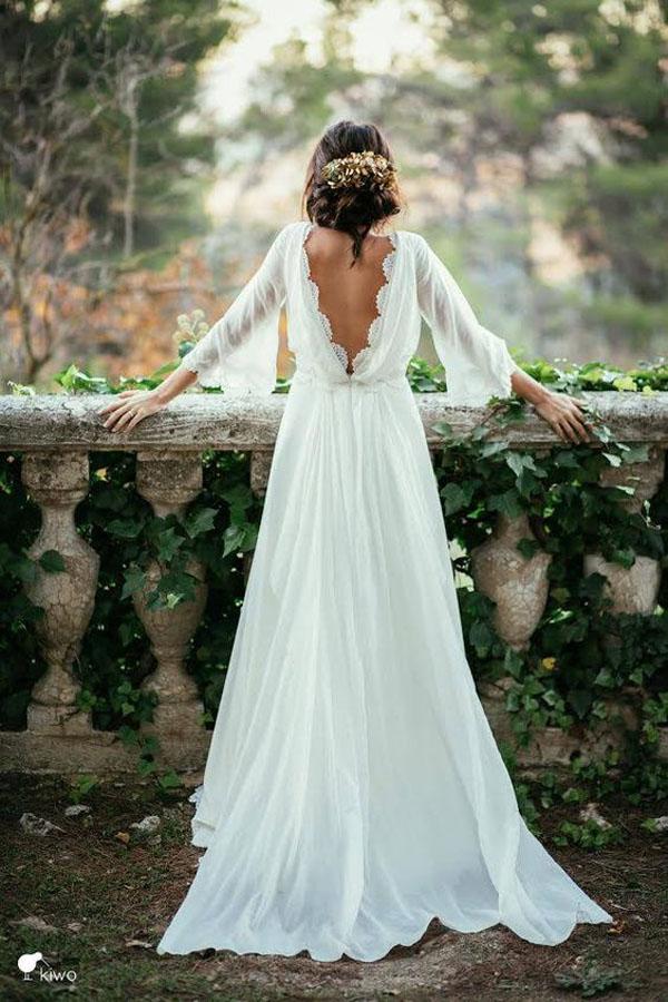 abito da sposa boho chic con scollatura sulla schiena