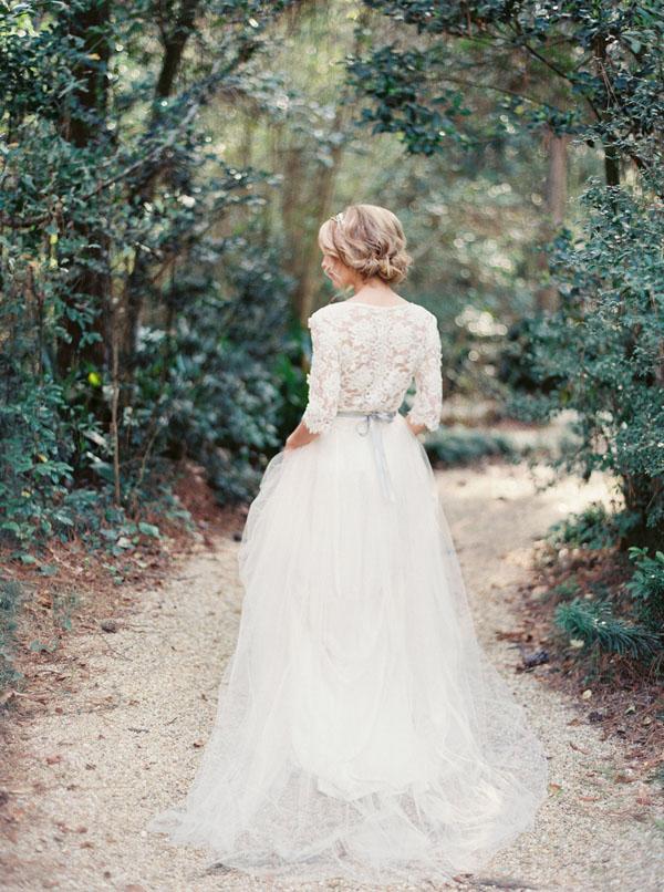 abito da sposa in pizzo e tulle