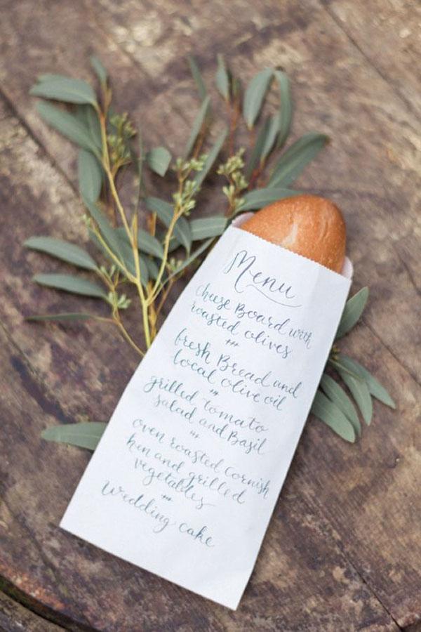 busta di carta come menu di nozze