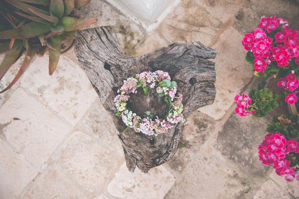 coroncina di fiori e foglie