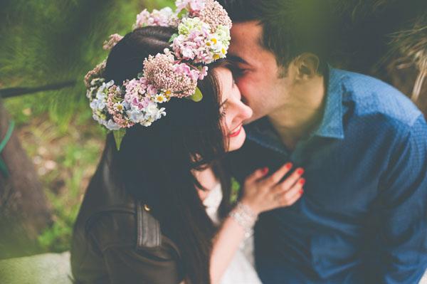 coroncina floreale dai colori pastello