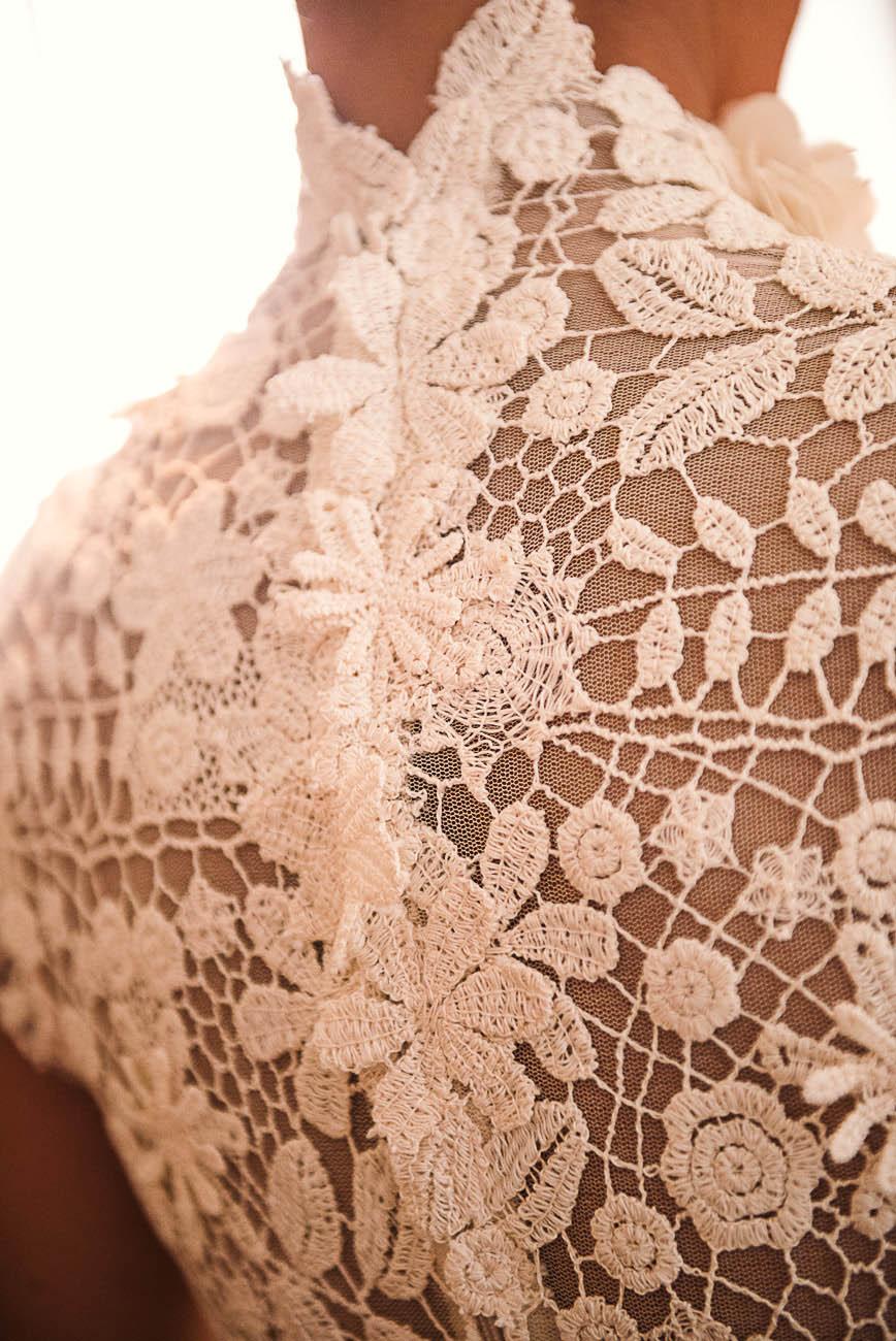 abito da sposa in pizzo di elisabetta delogu